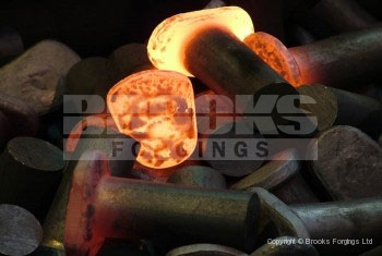 18 - Upset forged 36mm meiller skip lugs